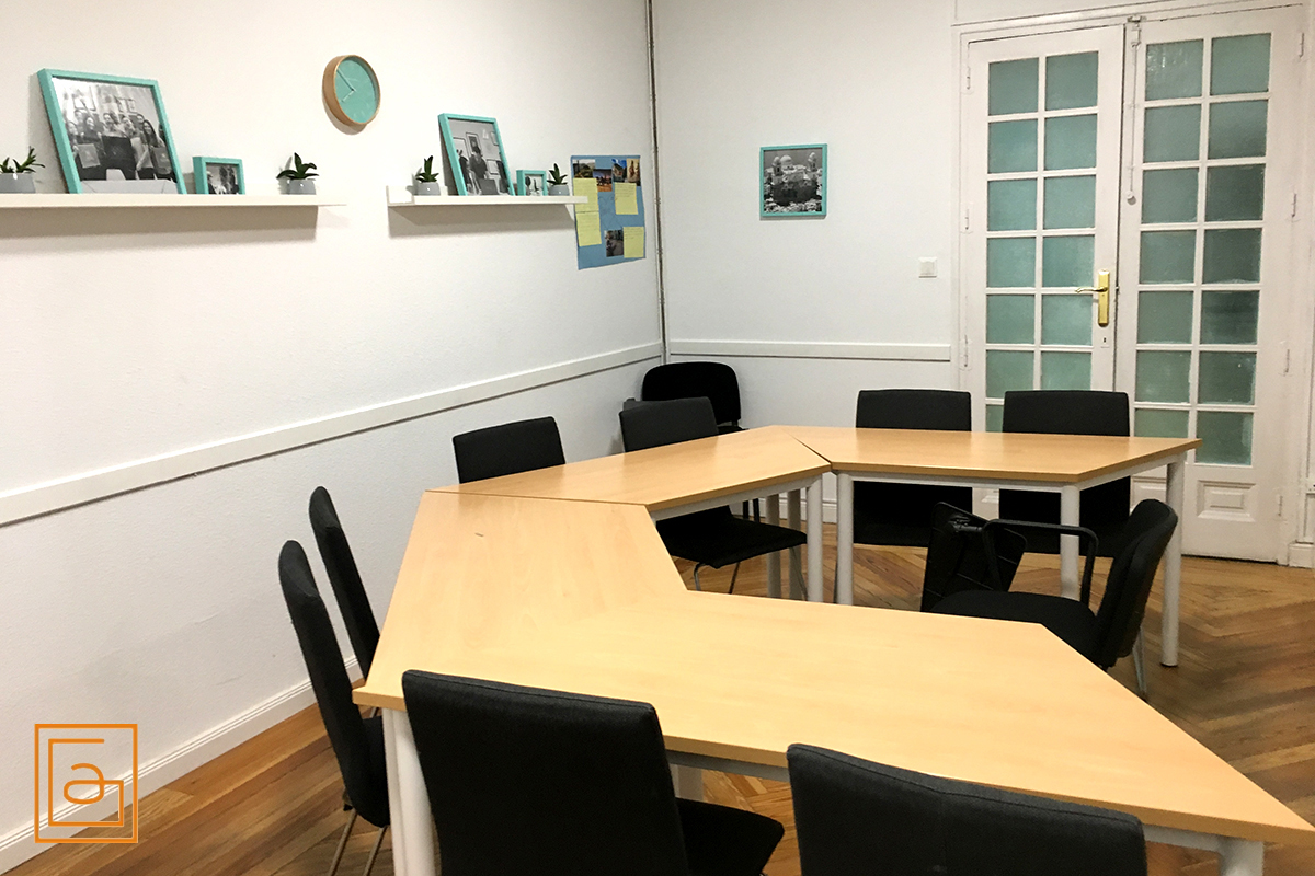 Alquilar aulas medianas en Madrid - Classrooms for rent in Madrid